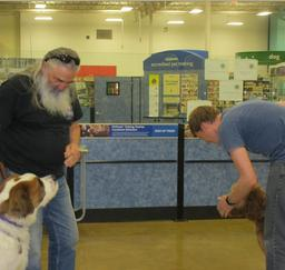 Penny assisting at PetsMart - 26MAY16