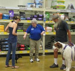 Penny assisting at PetsMart - 23JUL17